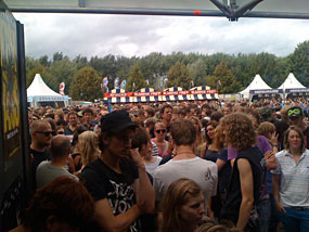 Watch the Titles at Lowlands